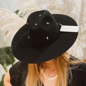 Fedora negro con herraje de metal dorada rayos de lana natural extrafina Sandbreros